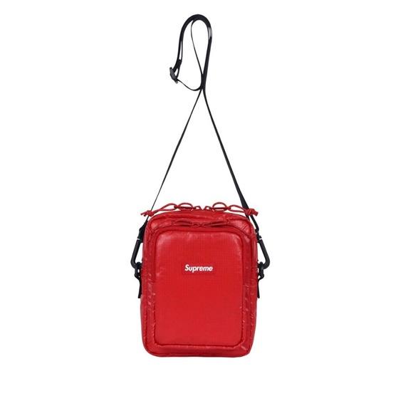 SUPREME Shoulder Bag Red FW17. M 5bafb88d0cb5aa7eb681ce40 08148f0042253